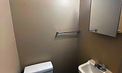Bathroom, 2831 S Harrison St, 2