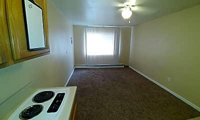 Living Room, 325 Cragmor Rd, 1