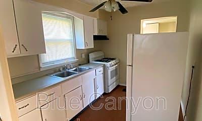 Kitchen, 3323 Van Winkle Dr, 1