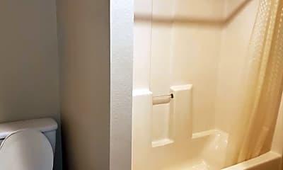 Bathroom, 611 Cranberry St, 2