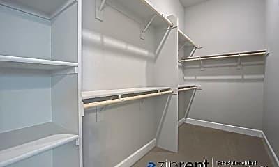Bathroom, 2802 Broken Bit Ln, 2
