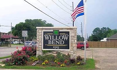 Willow Bend, 2