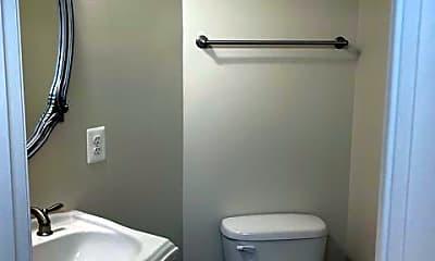 Bathroom, 204 Parkview Ave, 1