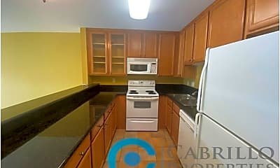 Kitchen, 3030 Suncrest Dr, 0