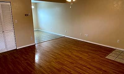 Living Room, 501 Twin Oaks, 2