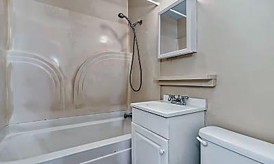 Bathroom, 2 Kentucky Drive, 2
