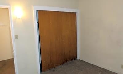 Bedroom, 1108 S Shady St, 2