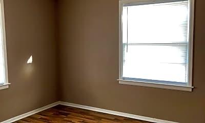 Bedroom, 1535 S Westmoreland Ave, 2
