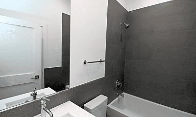 Bathroom, 1440 N Milwaukee Ave, 1