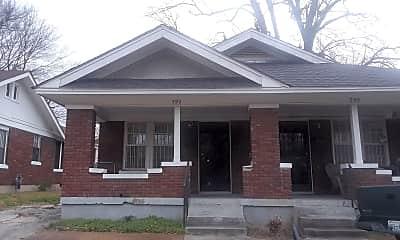 Building, 790 N Willett St, 1