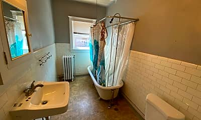 Bathroom, 702 S Bernard St, 2