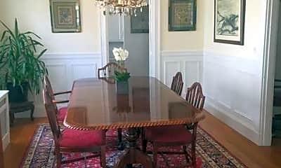 Living Room, 521 Commonwealth Avenue, 2