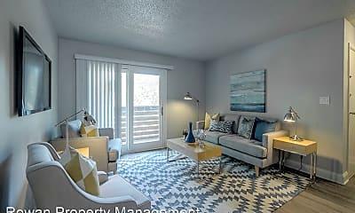 Living Room, 423 Maple Blvd, 1