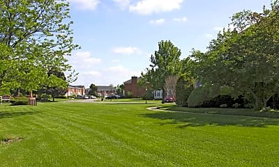 Landscaping, Georgetown Apartments Of Amherst, 2
