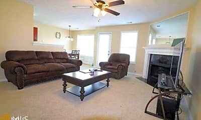 Living Room, 4652 Grand Central Pkwy, 1
