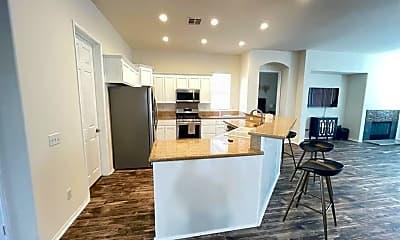 Living Room, 49534 Lewis Rd, 2