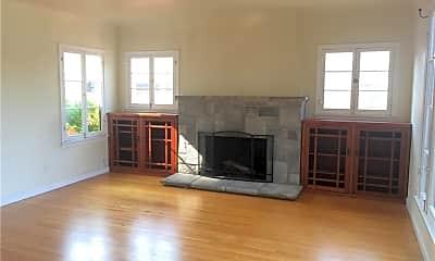 Living Room, 653 Grand Ave, 2