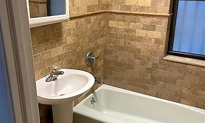 Bathroom, 46 Broadway 3, 1