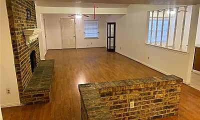 Living Room, 4314 Karnes Dr, 1