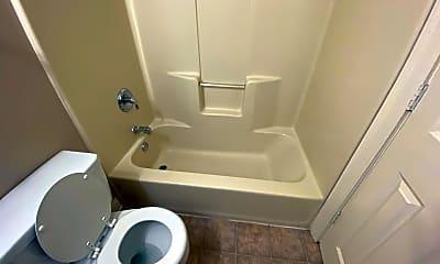 Bathroom, 2201 S Calhoun St, 2