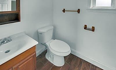Bathroom, 77 Brainard St, 2