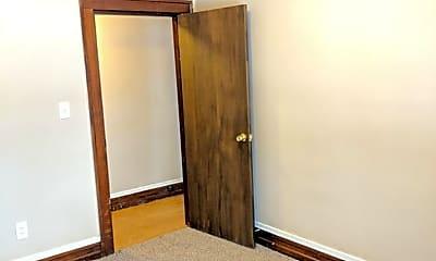 Bedroom, 808 Vine St, 2