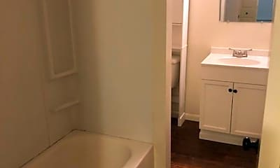 Bathroom, 510 E Harrison St, 1