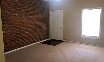 Building, 807 E Maple St, 1