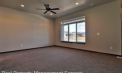 Living Room, 7119-7121 S Hanson Ave, 1