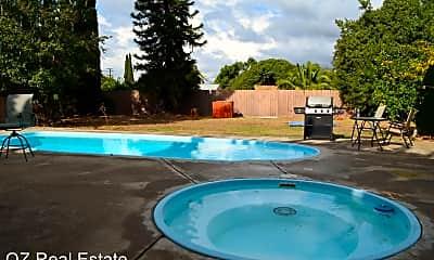 Pool, 6312 Connie Dr, 1