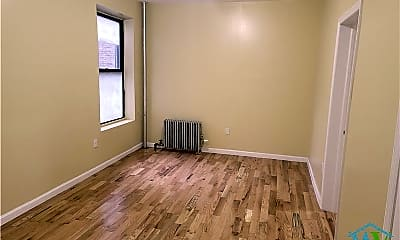 Bedroom, 123 Wadsworth Ave, 1