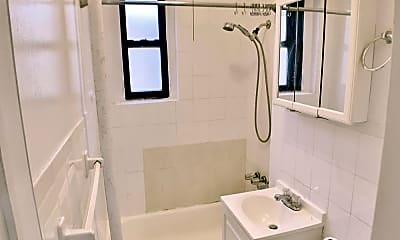 Bathroom, 21-38 35th St, 2