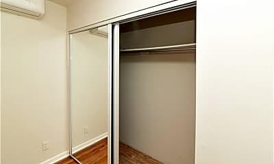 Bedroom, 101 Carpenter Ave A100, 2
