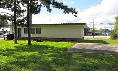 Building, 713 E San Patricio Ave, 1