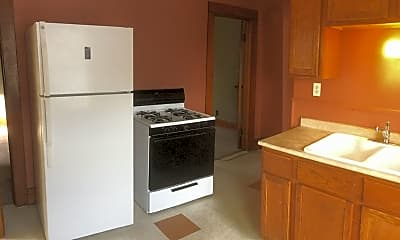 8805 W Maple St, 1