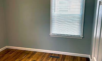 Bedroom, 2532 S Greenwood St, 1