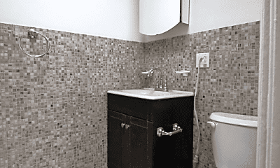 Bathroom, 505 Vanderbilt Ave, 2