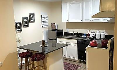 Kitchen, 15255 Streamside Ct, 1