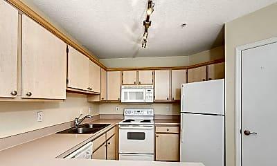 Kitchen, 1655 The Greens Way 2115, 1