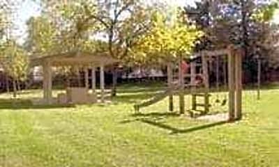 Hilltop Garden Apartments, 2