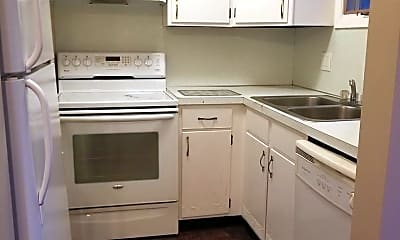 Kitchen, 302 Chateau Dr, 2