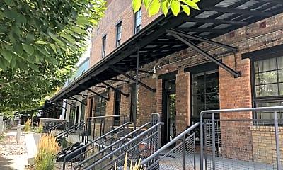 Building, 346 Pierpont Ave, 1