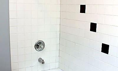 Bathroom, 915 NE Roselawn St, 2