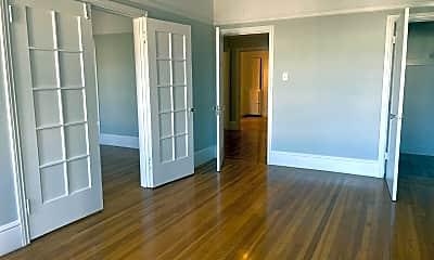 Living Room, 1560 McAllister St, 1