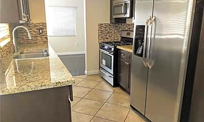 Kitchen, 926 Bilton Way, 1