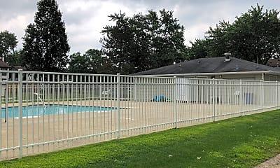 Hickory Manor Apartments, 2