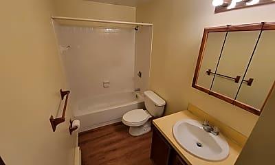 Bathroom, 4188 Burningtree Rd, 2