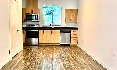 Kitchen, 9525 N Lombard St, 1
