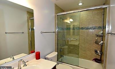 Bathroom, 105 N Edison St, 2