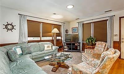 Living Room, 2245 Powhatan Ave, 1